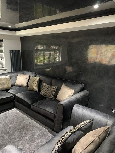 Venetian Plastering Glasgow - Black polished plaster room - KMac Plasterers