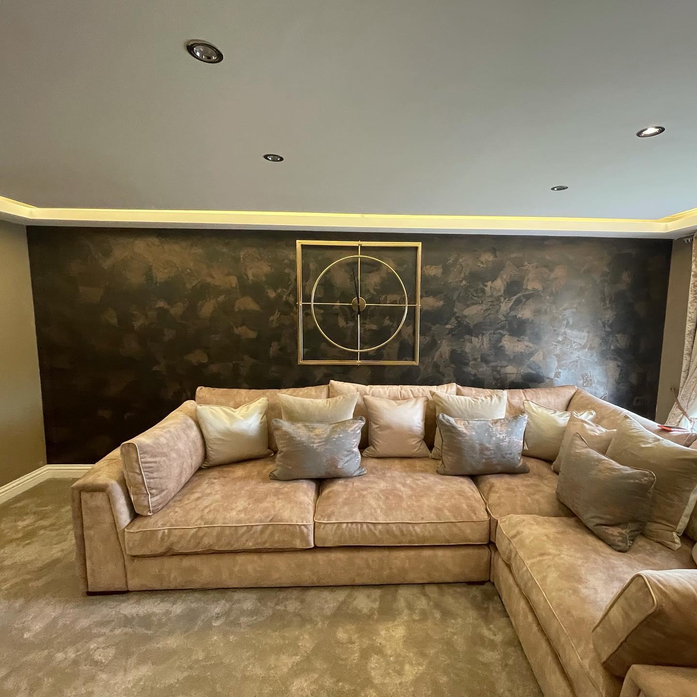 Kmac Venetian Plasterers - luxury white venetian plaster TV wall Scotland