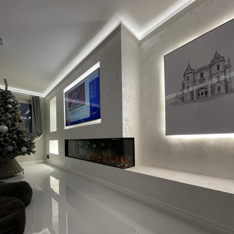 Kmac Venetian Plasterers - bespoke white venetian plaster TV wall Scotland
