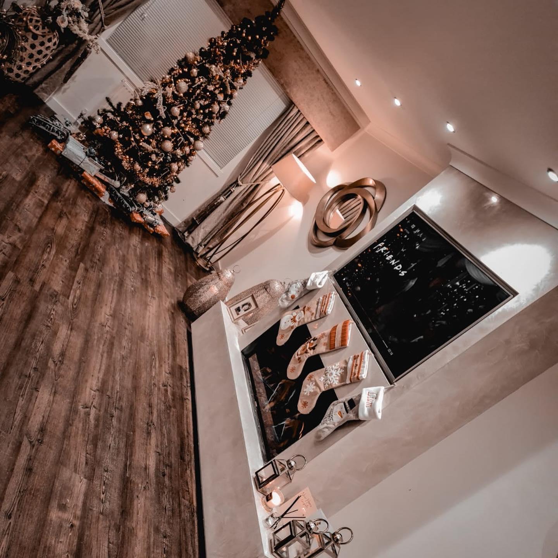 Kmac Venetian Plasterers - luxury custom venetian plaster TV wall Scotland