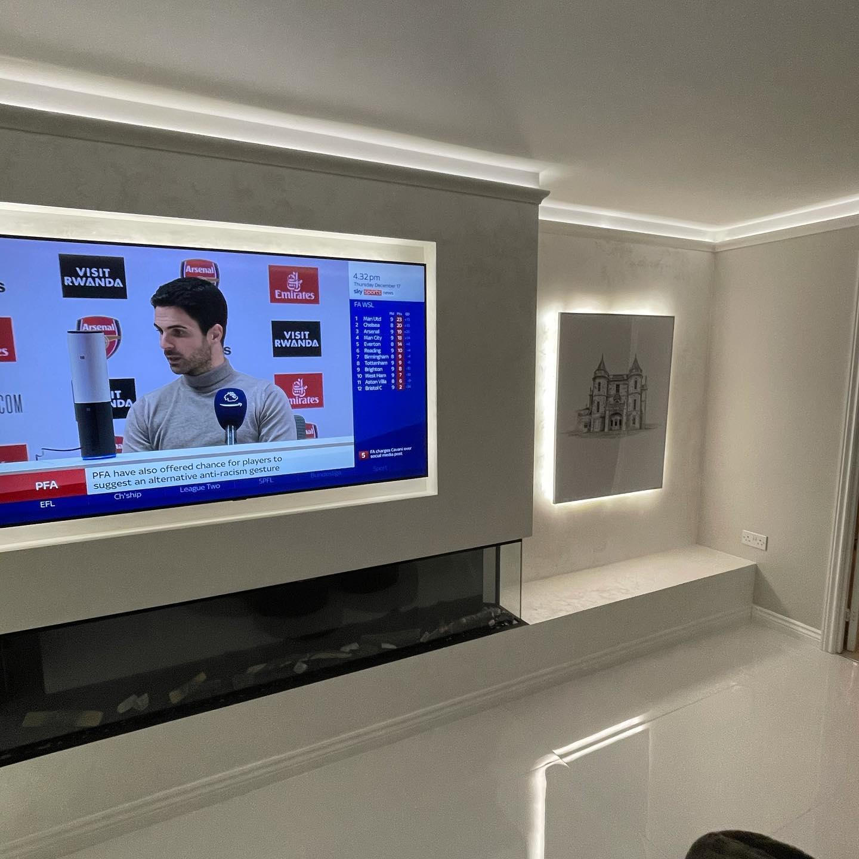 Kmac Venetian Plasterers - luxury white venetian plaster TV wall Glasgow Scotland